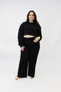 PLUSSSIZE_BLACK_CROP_TOP_AND_WIDELEG_JOGGERS